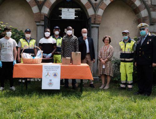 I richiedenti asilo donano i DPI alla Protezione Civile di Carignano