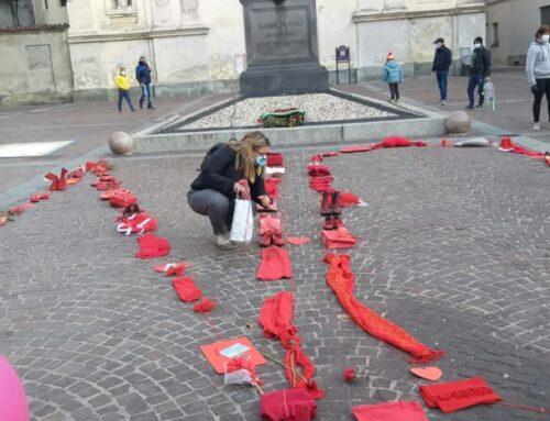 Anche noi di Tra Me in piazza contro la violenza sulle donne! 🤚🏻👠❤️